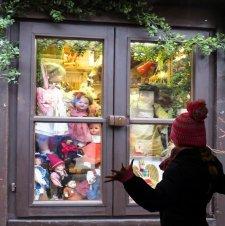 christmas-gift-christmas-gift-doll-window-toys